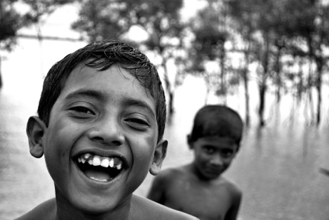 1920px-a_smiling_boy_from_bangladesh