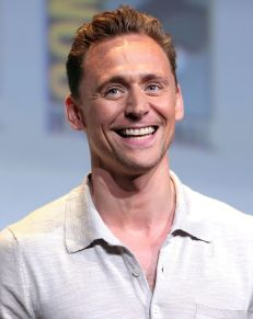 1024px-Tom_Hiddleston_Comic_Con_2016.jpeg