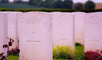 gravestones-918566_1920
