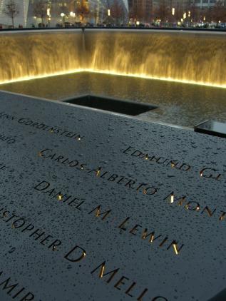 memorial-835874_1920