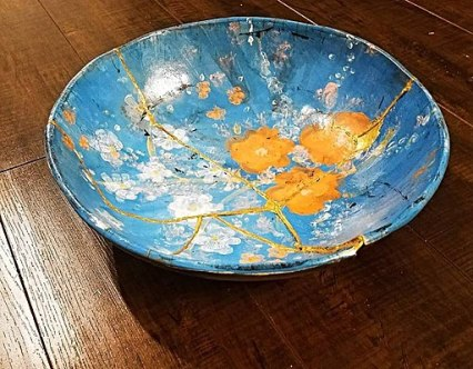 512px-Hand_Pinted_Kintsugi_Pottery_Bowl